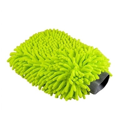 Use a microfiber washing mitt to dry your car