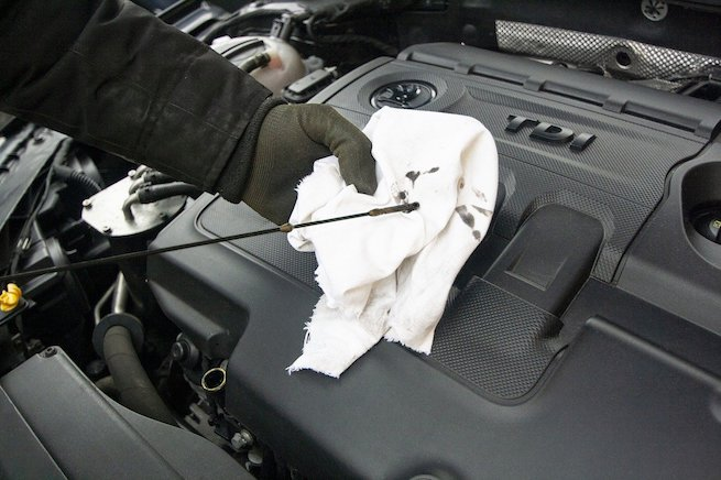Checking automatic transmission fluid levels tips with a torque wrench how